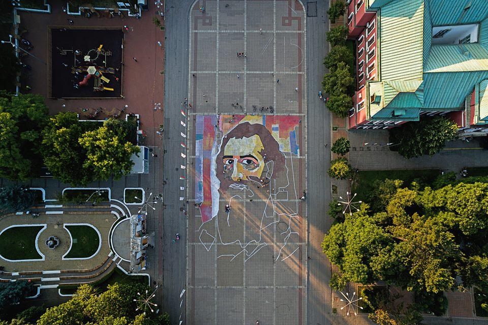 Художници нарисуваха огромен портрет на Майстора в Кюстендил (ВИДЕО)