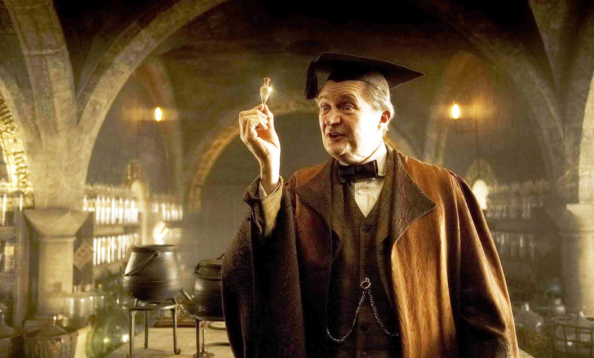 """Хорас Слъгхорн от """"Хари Потър"""" се присъединява към """"Игра на тронове"""""""