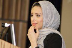 """За първи път мюсюлманка с ислямска забрадка в """"Плейбой"""""""