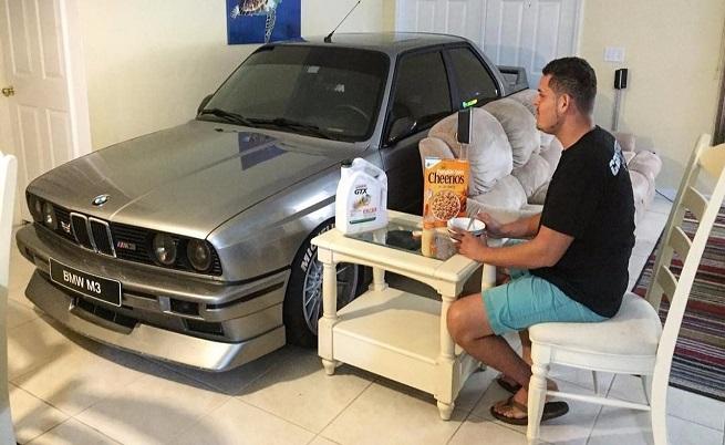 Mъж спаси бавареца си от урагана Матю, като го паркира в хола (ВИДЕО)