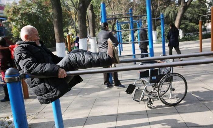 101-годишен дядо всеки ден тренира стрийт фитнес (СНИМКИ)