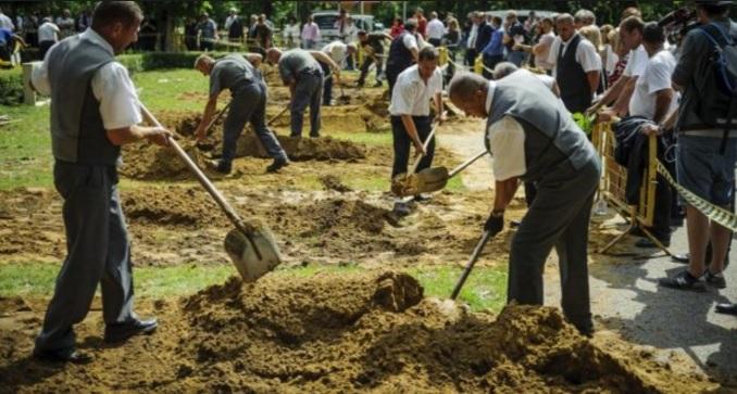Първенството по копаене на гробове има своя победител