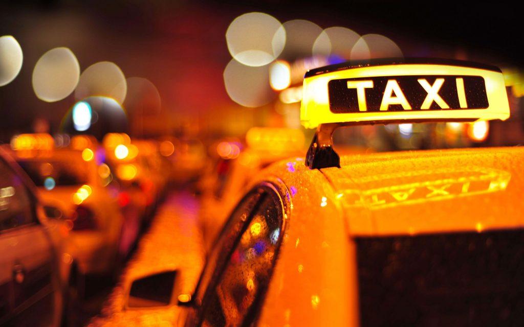 Айдуци взеха такси, за да извършат обир, и не платиха на шофьора