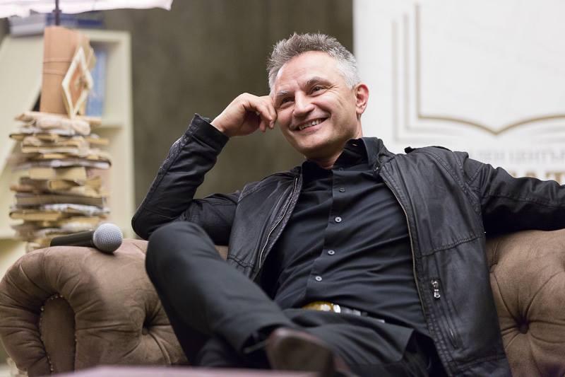 """Карабашлиев: Ако 2016 година беше роман, щеше да се казва """"Преодоляване"""""""