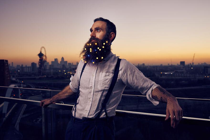 Украси брадата си за Коледа (СНИМКИ)