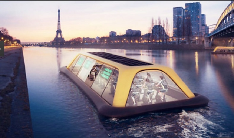 Фитнес зала плува по поречието на Сена в Париж