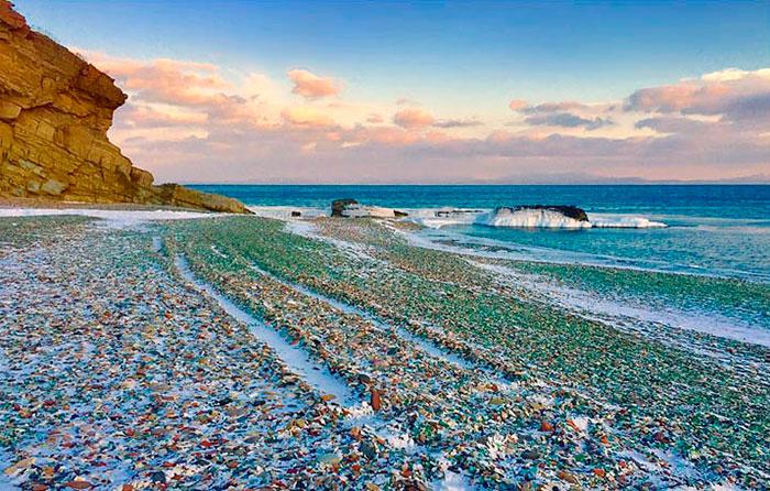 """""""Стъкленият плаж"""" е красивият отговор на майката природа"""
