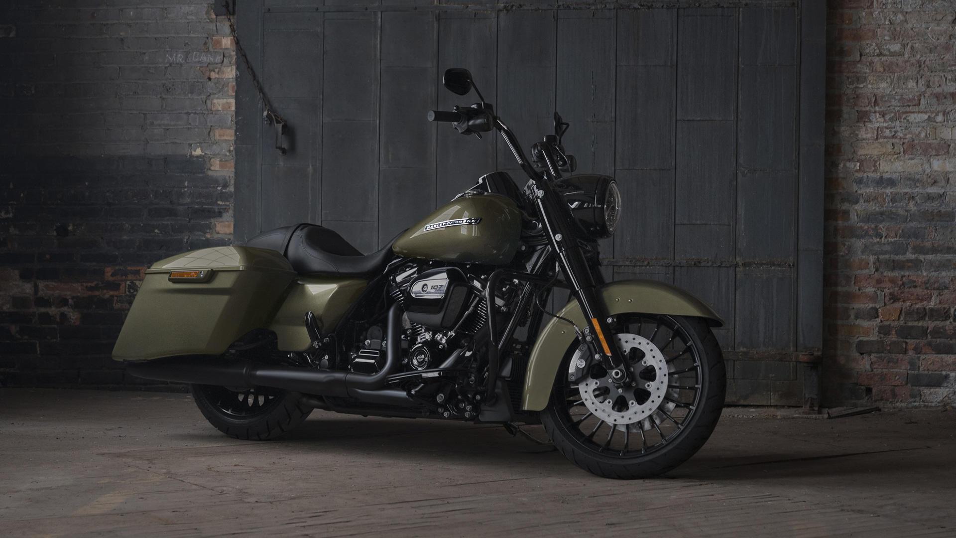 "Harley Davidson представи ""Краля на пътя"""