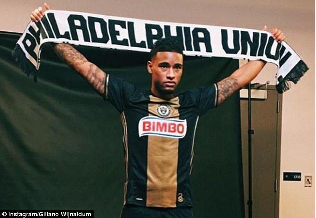 Нещо ново: Футболен отбор назначава татуист на работа