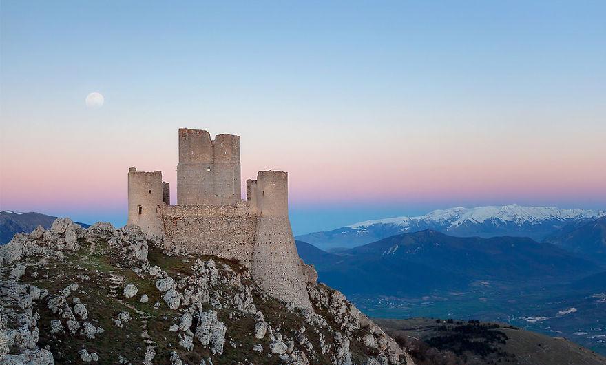 Италия подарява 103 замъка, но има уловка (СНИМКИ)