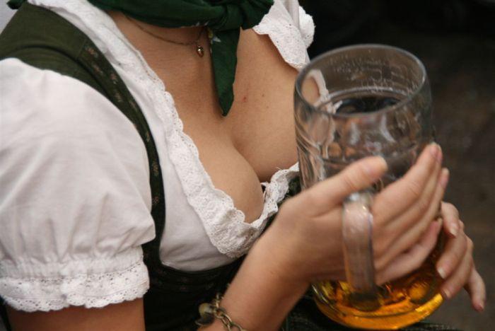 20 причини да излизаш с момиче, което пие бира