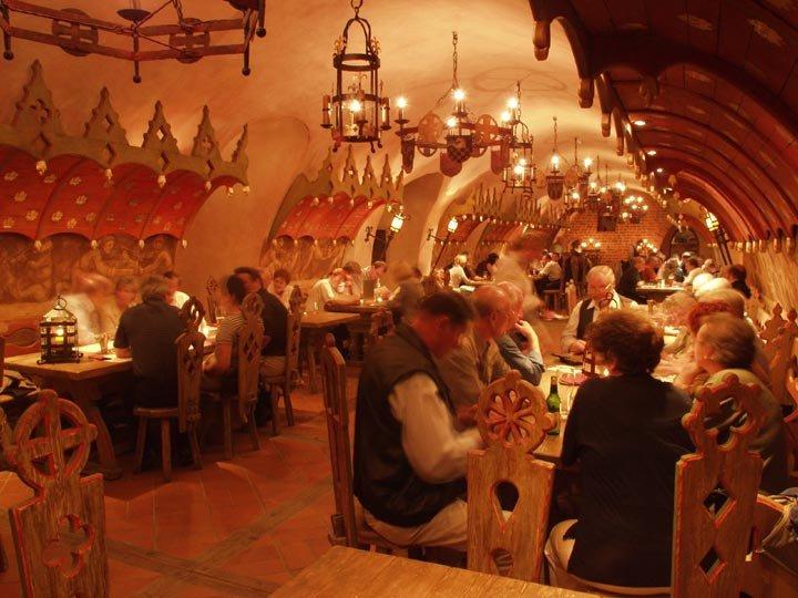 Пивница е най-старият действащ ресторант в света (СНИМКИ)
