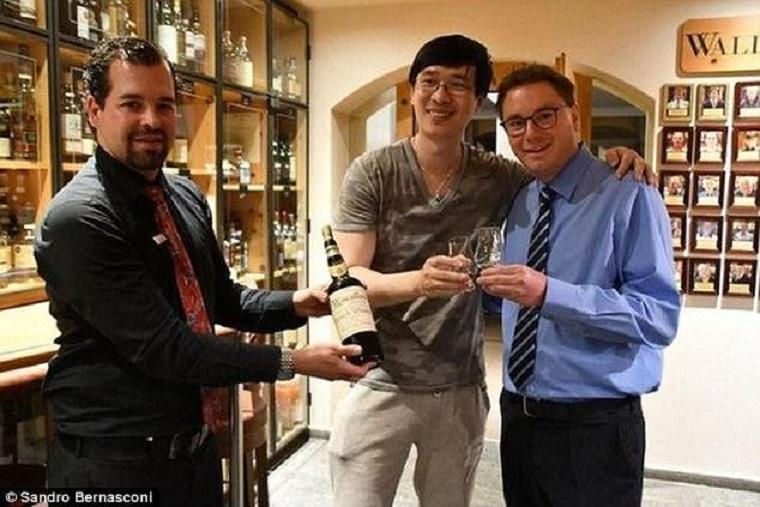 Мъж плати 17 000 лева за чаша фалшиво уиски