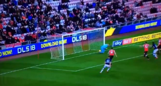 Четири скандални вратарски гола в един мач (ВИДЕО)
