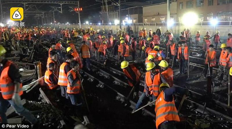 Ало, БДЖ! Китайци построиха нова ЖП линия за 9 часа (ВИДЕО)