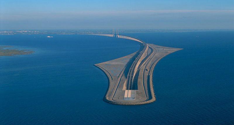 Мостът, който свързва Дания и Швеция (СНИМКИ)