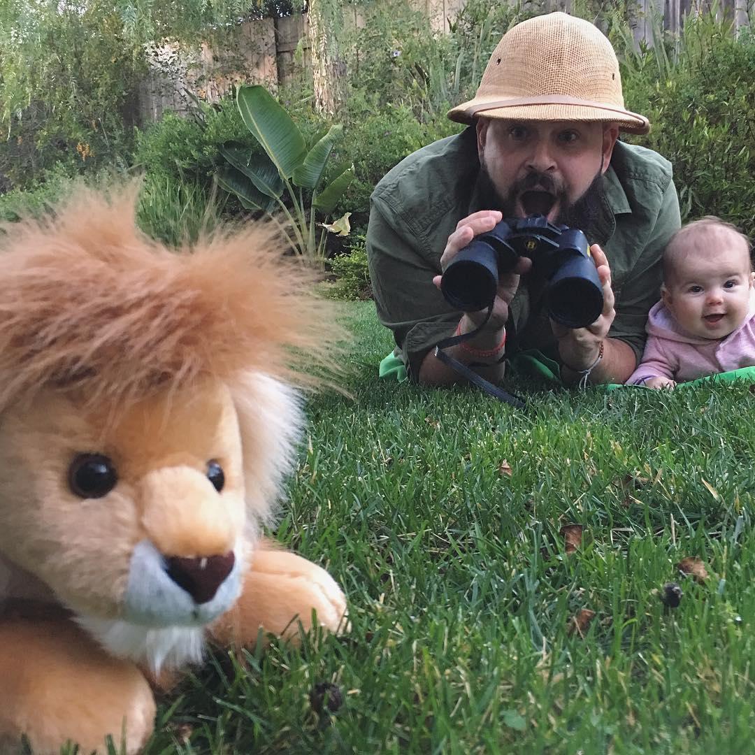 Баща и 9-месечната му дъщеря са хит в Instagram