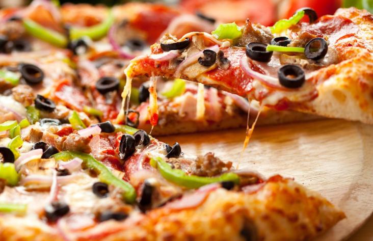 Рекорд: Пицата със 111 сирена