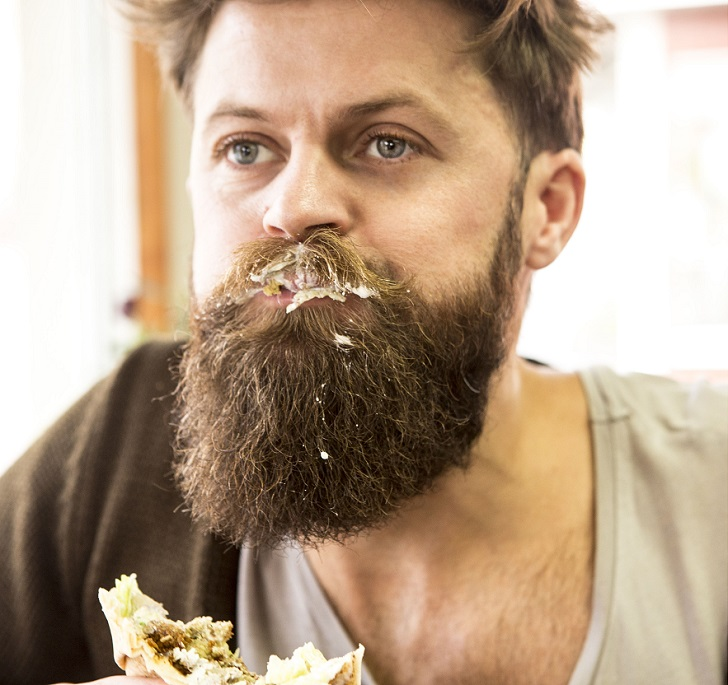 Създадоха стопер, който да пази мустаците при ядене и пиене