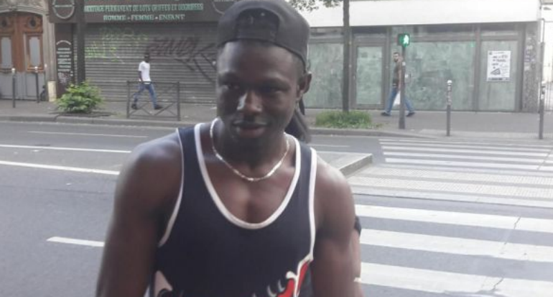 Мигрант стана герой, след като изкачи 4-етажна сграда и спаси дете (ВИДЕО)