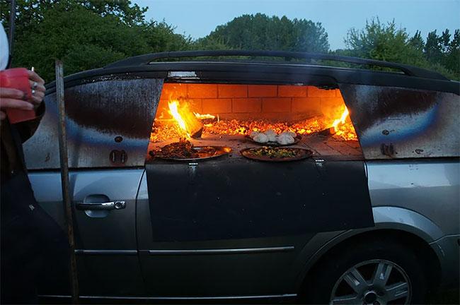 Да превърнеш стария си автомобил в пещ за пица (СНИМКИ)