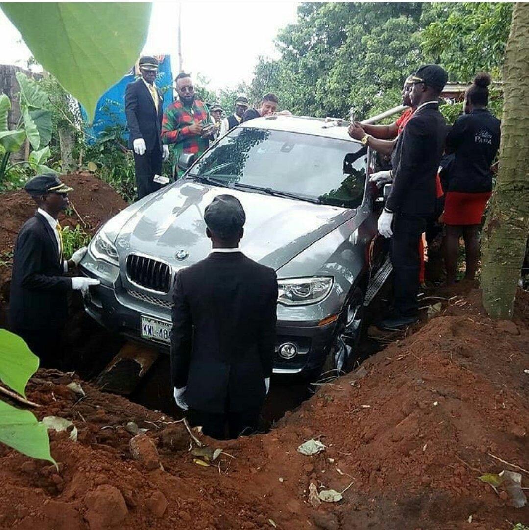 Син погреба баща си в ново BMW X5