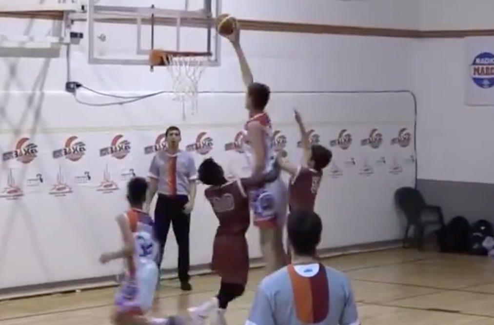 Припадаш: 12-годишен юнак е №1 сред връстниците си в баскетбола (ВИДЕО)