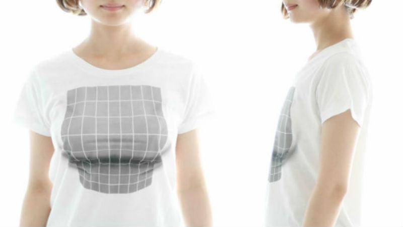 Създадоха тениска, която лъже за размера на гърдите