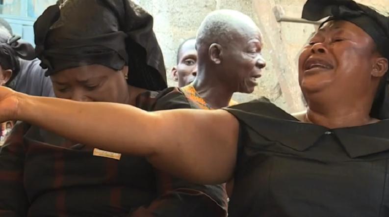 Сълзи за пари: В Гана наемат хора, за да плачат на погребение