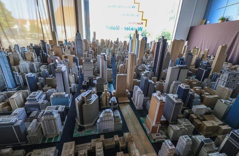 Хоби: Да построиш град от картон за 65 години (СНИМКИ)