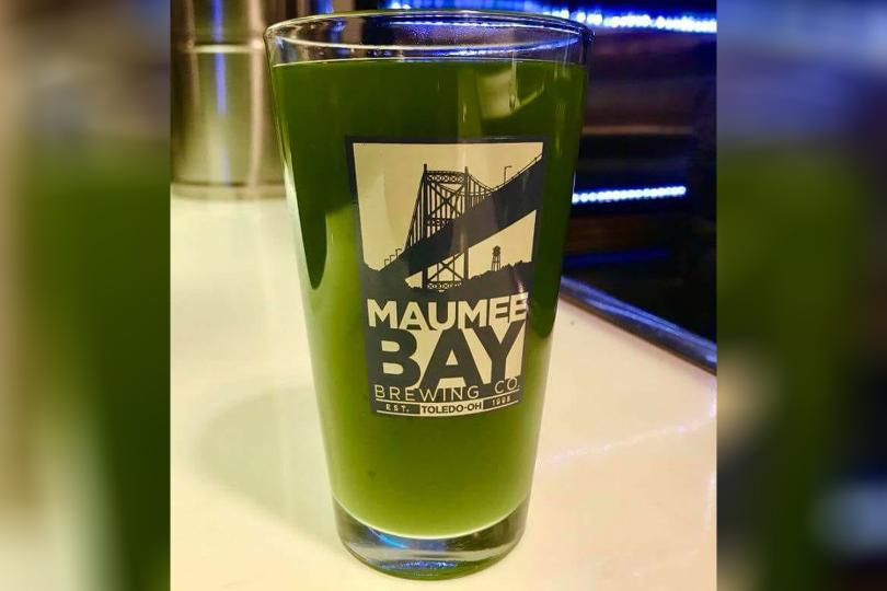 Зелената бира, която напомня на водорасли, но с благододна цел