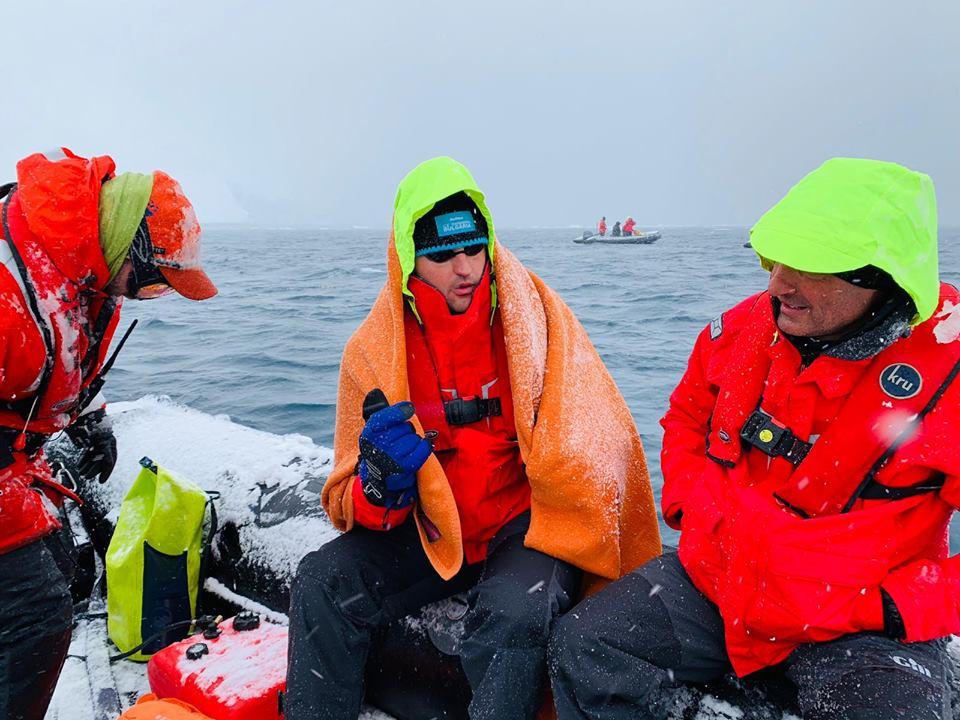 Петър Стойчев с 30.8 градуса температура при победата в ледените води на Антарктида