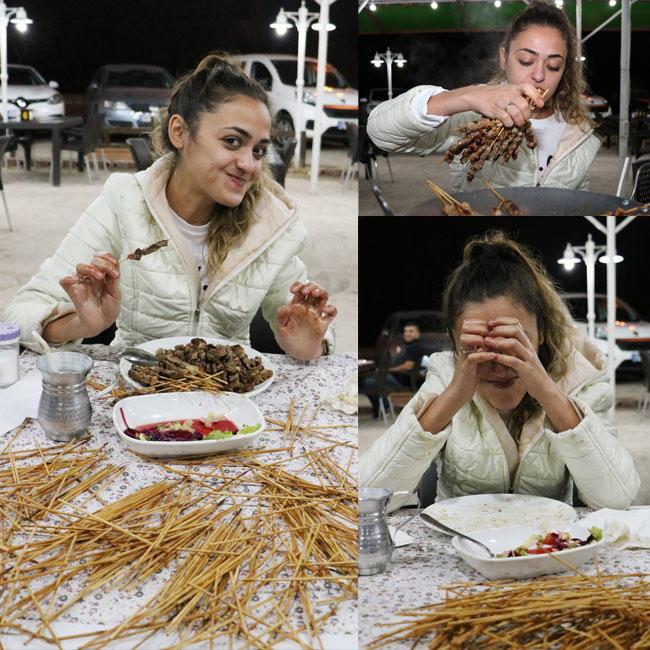 40-килограмова жена изяде 315 шиш кебапа за 46 минути