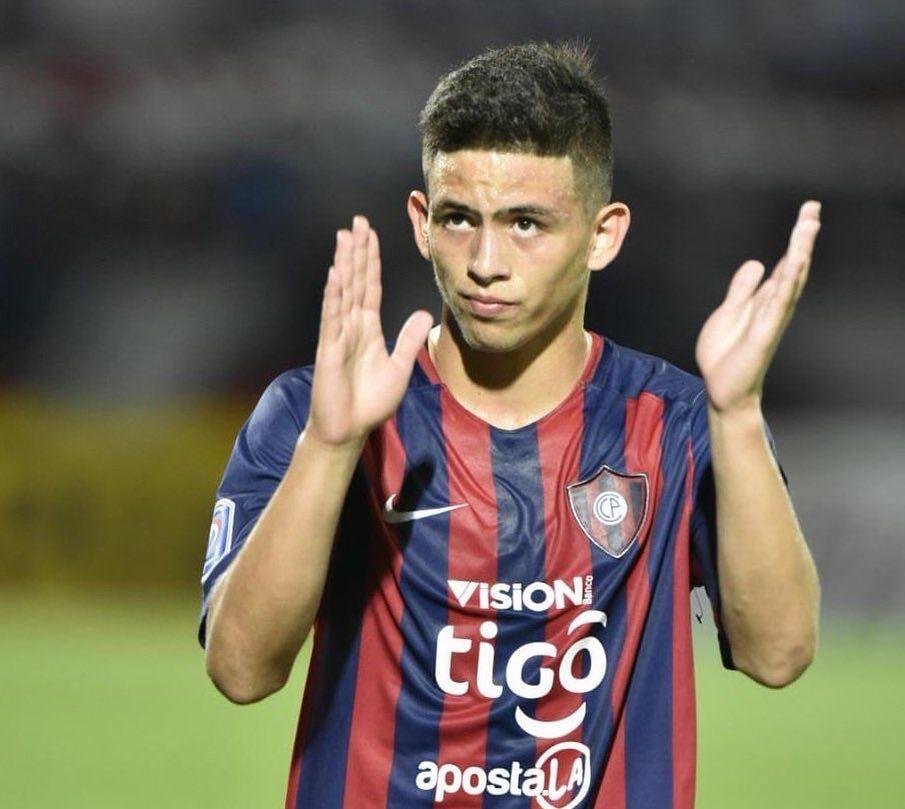 14-годишен влезе в историята на парагвейския футбол с гол (ВИДЕО)