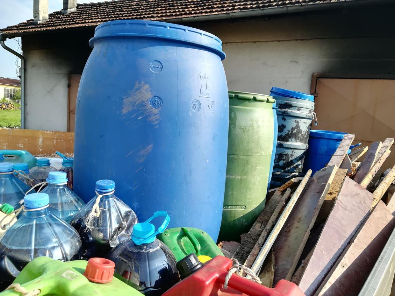 Нашенка задигна 300 литра джибри, 3 прасета и зимнина от гаджето си
