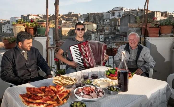 Airbnb плаща, за да живееш в Италия три месеца