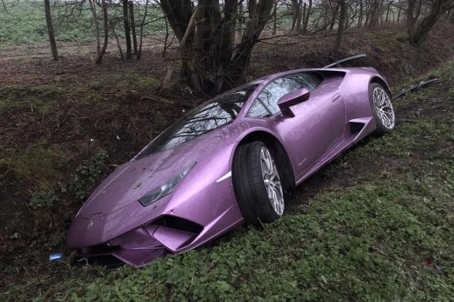 Да зарежеш Lamborghini в канавката, за да отидеш на работа с такси