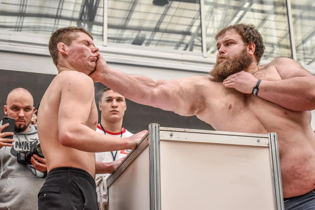168-килограмовият Василий е шампионът по спортни шамари (ВИДЕО)