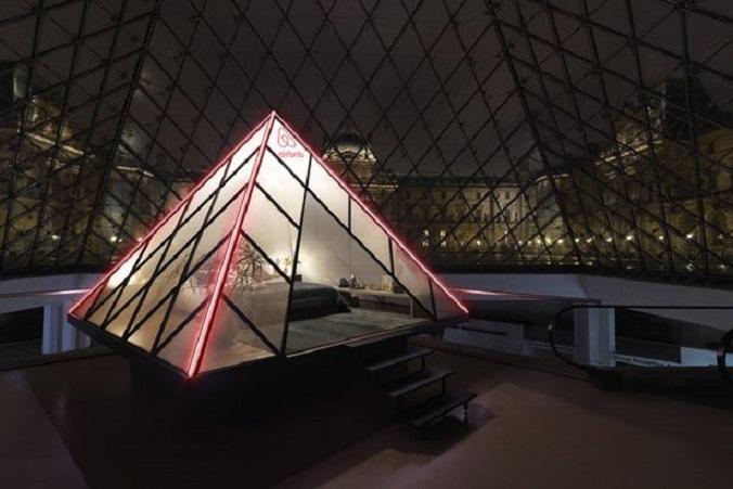 Нощ в музея: Airbnb предлага нощувка в Лувъра