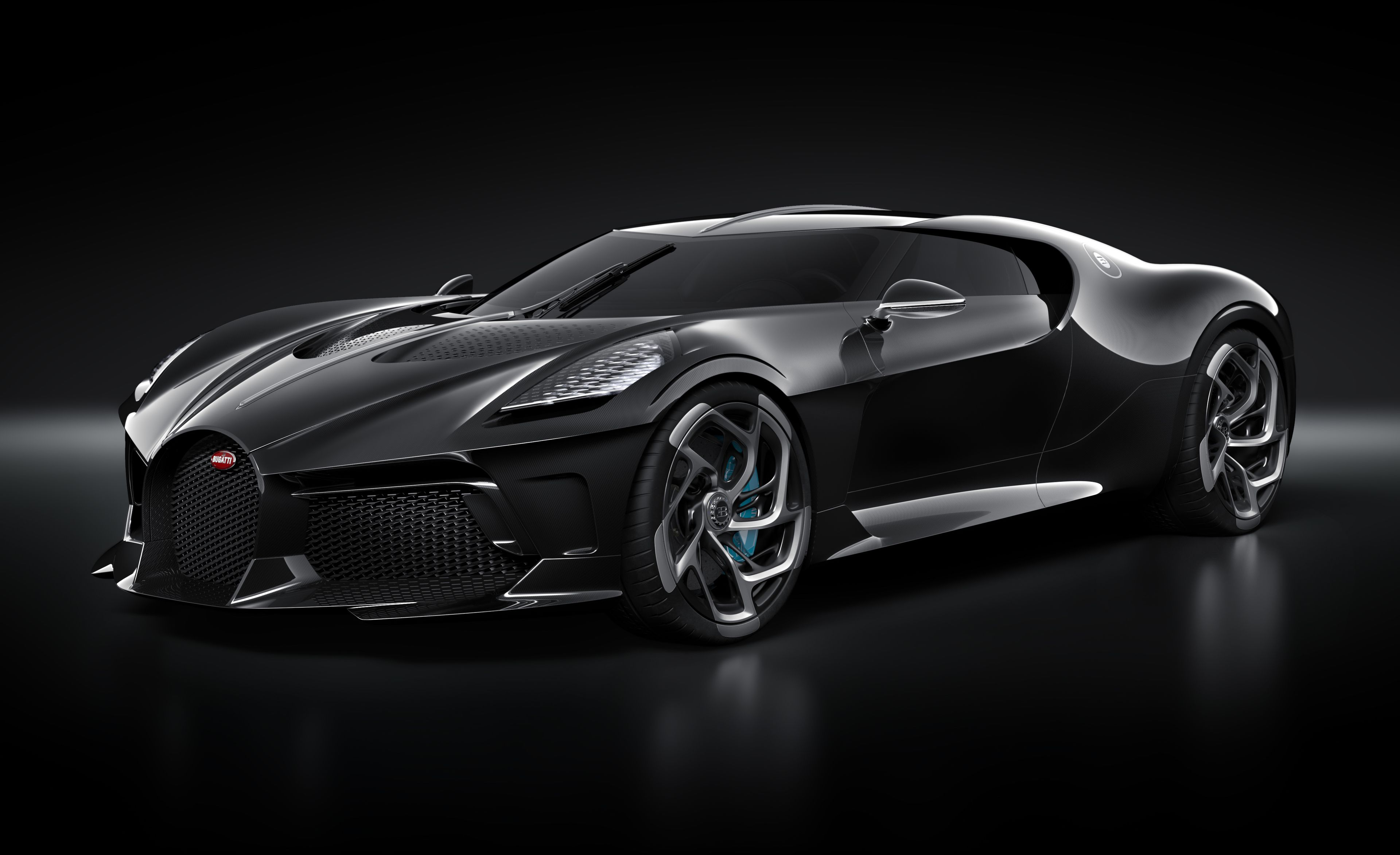 Роналдо купи единствената La Voiture Noire на Bugatti