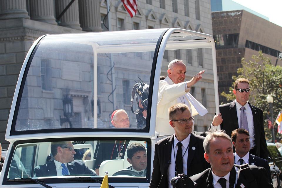 Пет топ забележителности, на които да заведат папа Франциск