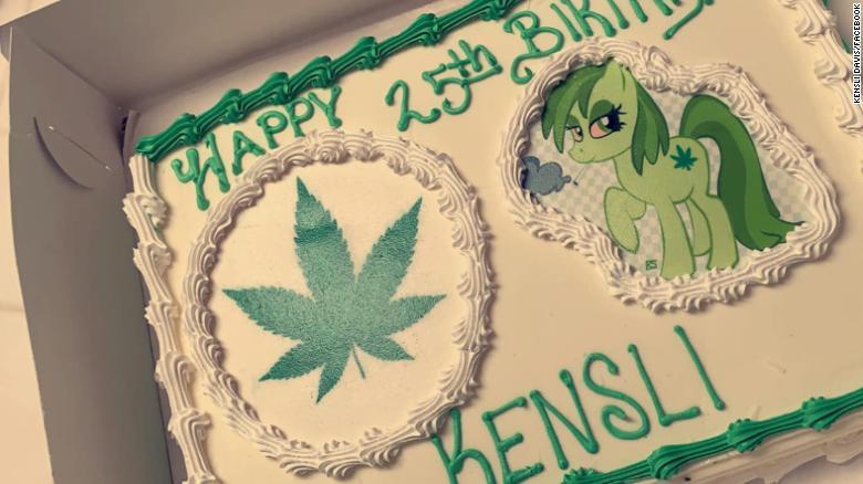 """Майка поръча торта на дъщеря си с """"Моана"""", пекарят разбрал """"марихуана"""""""