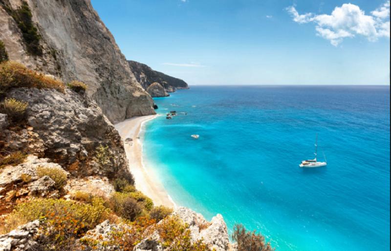 Гърци плащат 500 евро на месец да живееш на остров