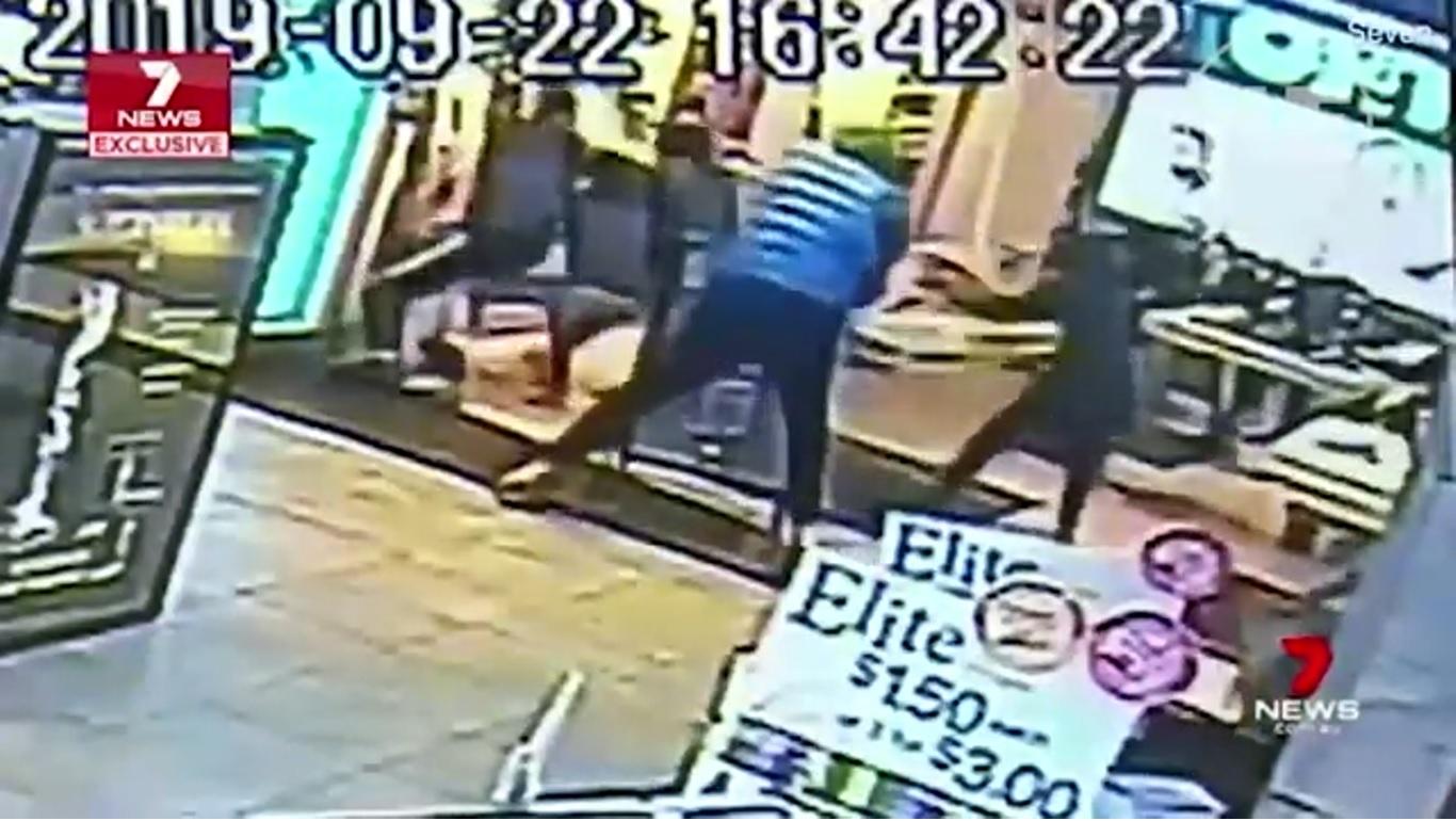 Банди нападат магазини заради новия iPhone 11 (ВИДЕО)