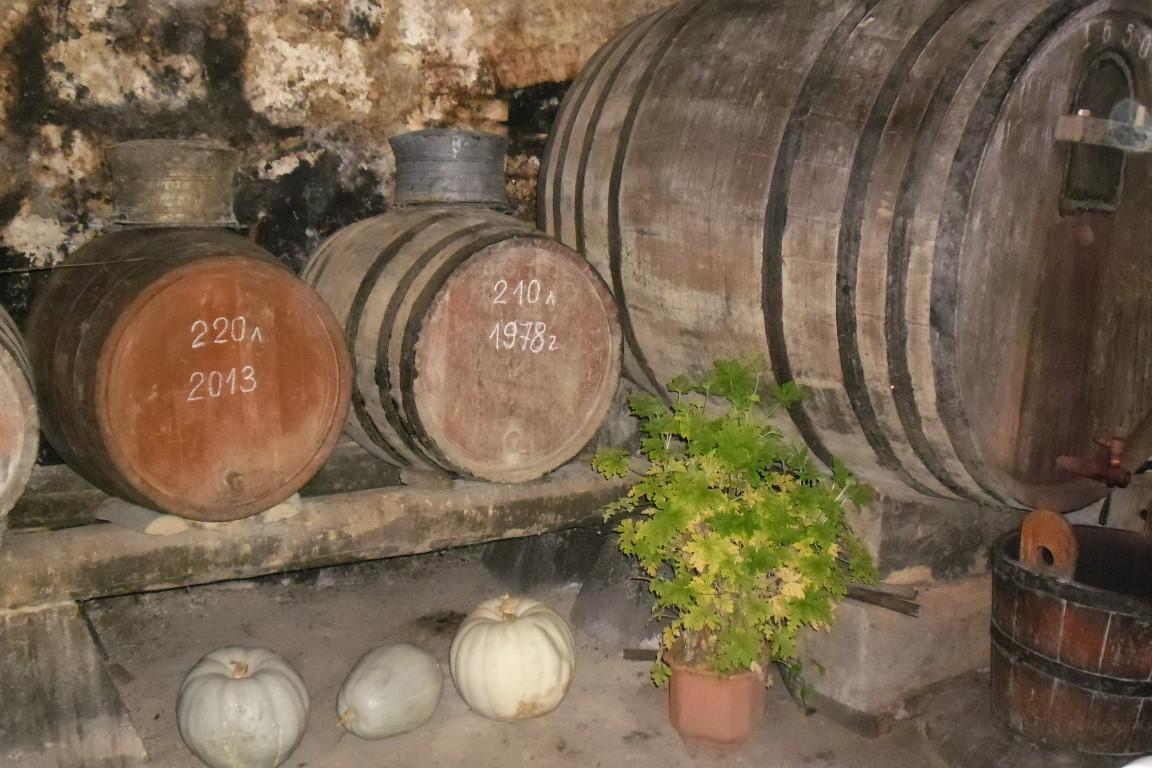 """Хванаха айдук на вино, """"забравил"""" да избяга от местопрестъплението след няколкодневен пир"""