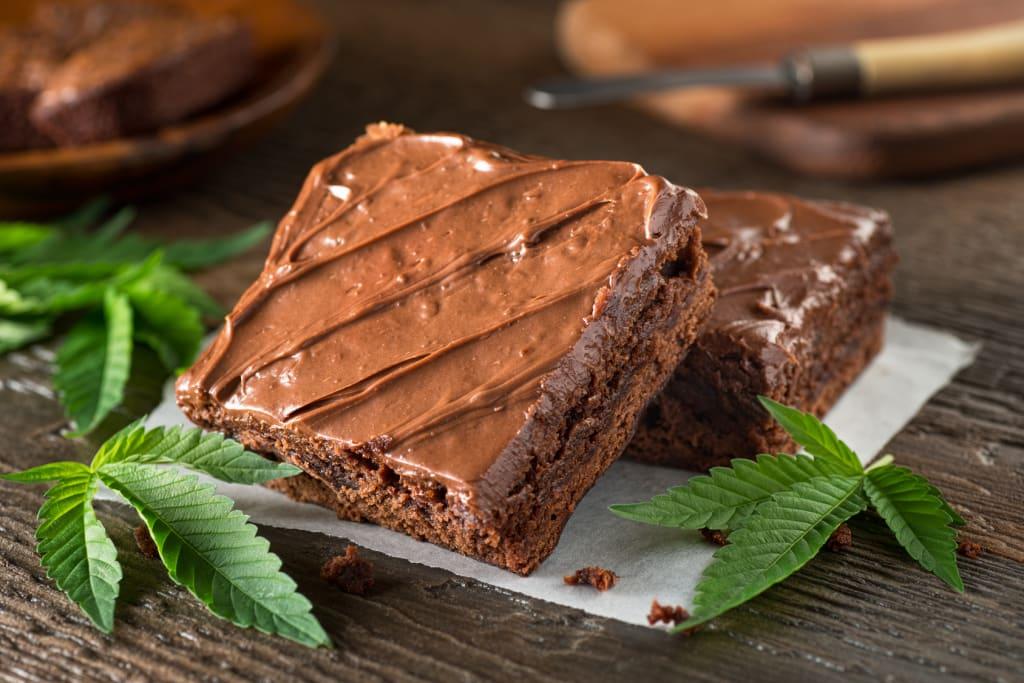 Гости на погребение се озоваха в спешното, яли кексчета с марихуана