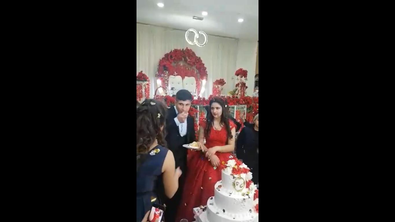 """Младоженец стресна гостите на сватбата си, май е на """"кафево"""" (ВИДЕО)"""