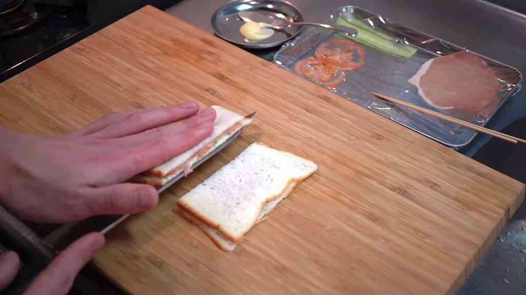 ВИДЕО: Най-тънкият сандвич на света