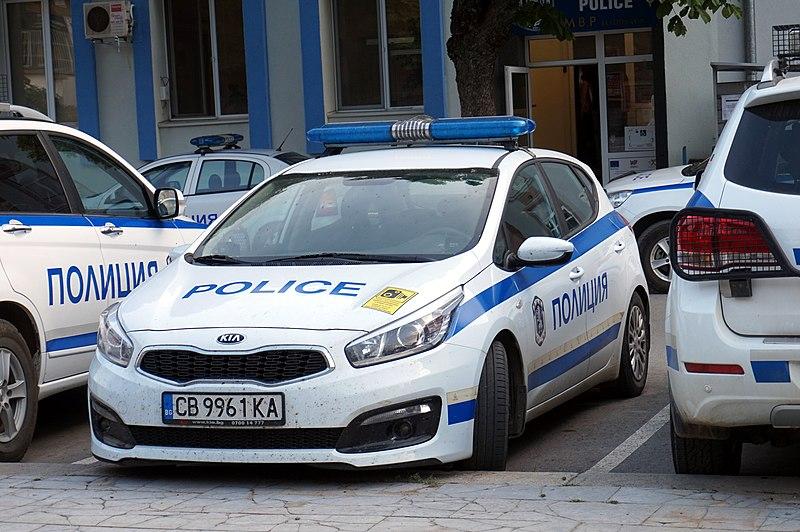 В Мадан задържаха мъж, подкарал напушен сглобена от него кола