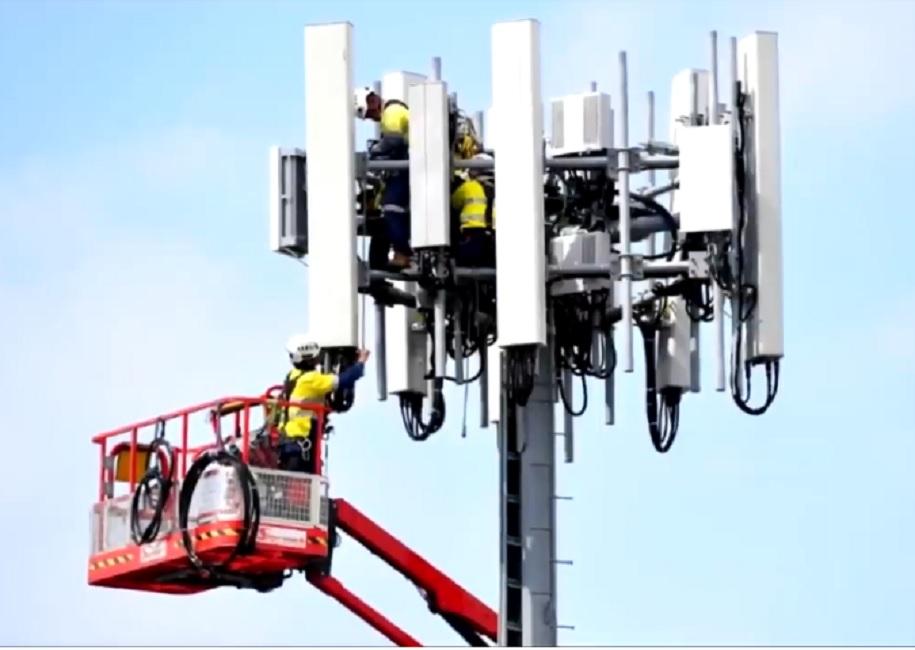 Плениха техници на кабеларка, щели да заразят хората с коронавирус чрез 5G антена